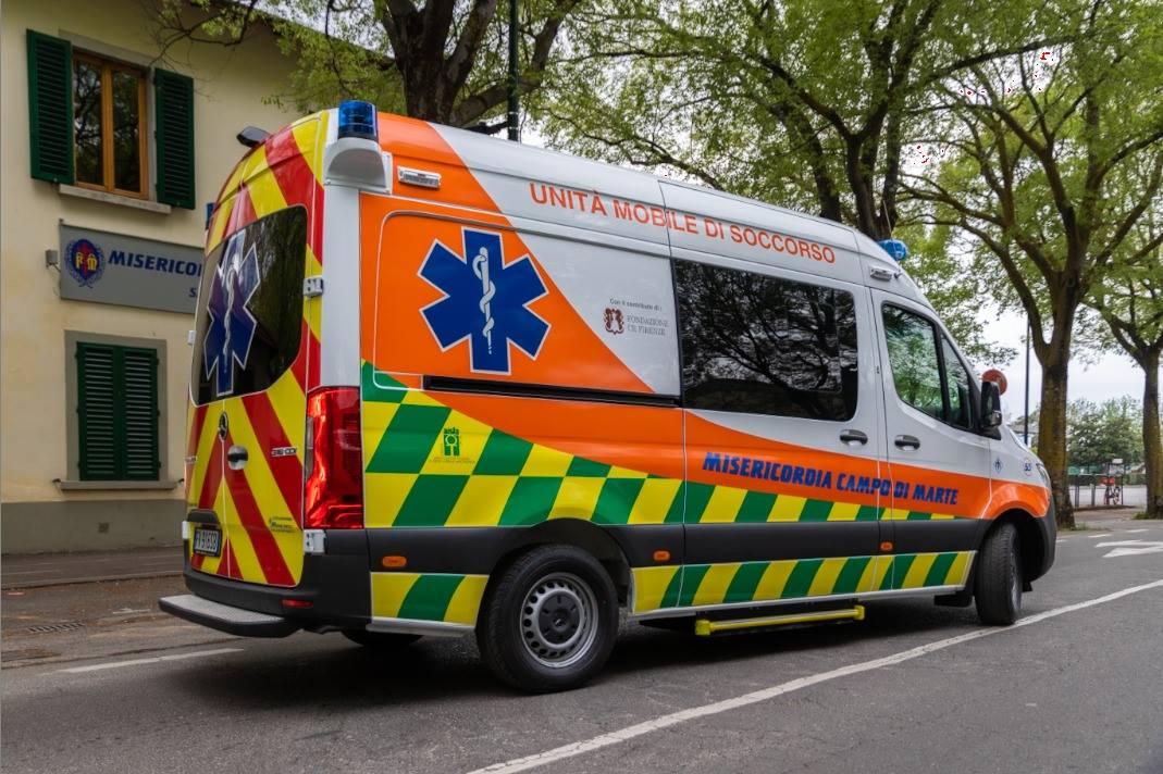 La nuova ambulanza della Misericordia